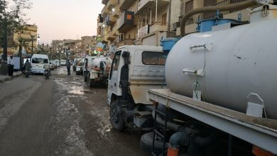 Photo of الدفع بـ5 سيارات لشفط المياه من شوارع الأقصر بعد انفجار خط في المنشية
