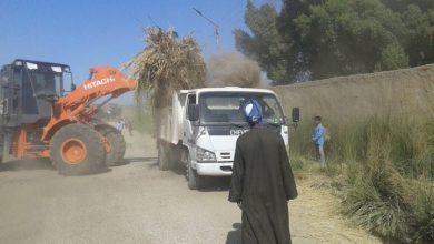 "Photo of ""بالصور""..إزالة20طن من الأتربة ومخلفات الري بطريق قرية الحبيل بالأقصر"