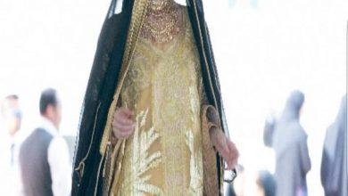 Photo of مني المنصوري تبهر الحضور بعرض أزياء تراثي مبهر في عيد الإمارات الوطني ال ٤٧