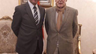 Photo of اليوم.. الرئيس الفرنسي الأسبق يزور الأقصر للأحتفال بعيد ميلاده الـ93 وسط الآثار المصرية